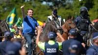 Siguiendo el ejemplo de Trump, Bolsonaro amenaza con retirarse de la OMS