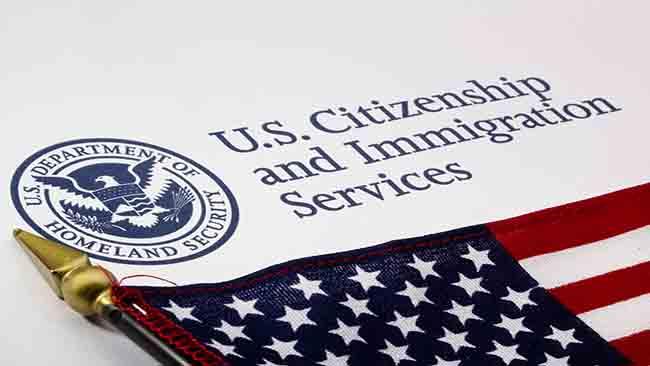 tlmd_uscis_inmigracion_shutterstock