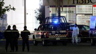 Policía de Chiapas en la escena de un homicidio múltiple
