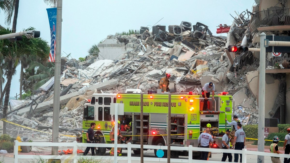 4 dead and 159 missing after building collapse in Miami Beach