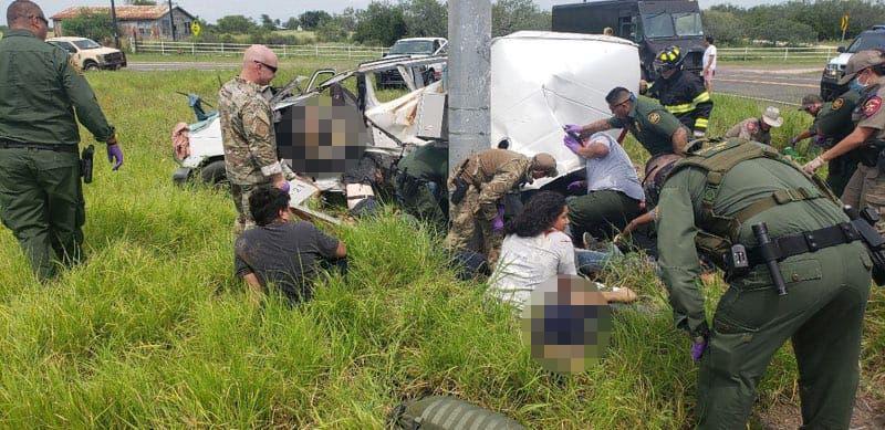 En Texas: aparatoso choque deja al menos 10 migrantes muertos