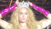 """""""¡Paulina, la reina gay!"""": La Chica Dorada es coronada en el Miami Beach Pride"""