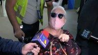 """""""¡Qué tonta pregunta!"""": en silla de ruedas, Lupita D'Alessio evade a los periodistas"""