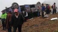 Perú: autobús cae de una montaña y mueren 19