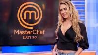 La actriz mexicana es la conductora de la competencia culinaria de Telemundo.