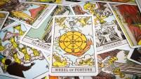 El astrólogo y metafísico Mario Vannucci te lee las cartas del tarot.