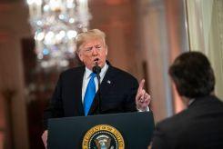 ¿Bajo amenaza? Nuevos límites para los periodistas en la Casa Blanca