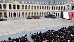 Francia honra a las víctimas de ataques