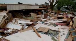 Tornados implacables azotan el sur de EEUU