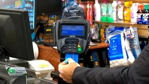 Mileniales le temen a las tarjetas de crédito