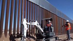 Gobierno pide $1,000 millones para 62 millas de muro
