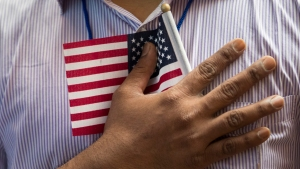 Qué es la ciudadanía automática, la que quiere eliminar Trump