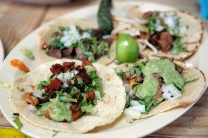 Gastronomía mexicana deleita a Denver con festival de tacos
