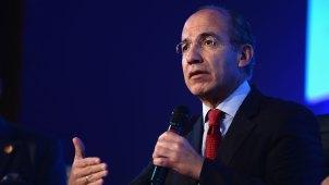 Expresidente Calderón sale ileso de accidente