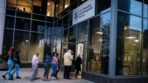 El gobierno revierte polémica medida migratoria