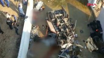 Viaje de migrantes acaba en tragedia al volcarse camión