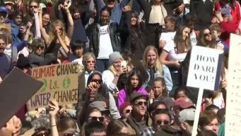 Activistas se reúnen en Denver para manifestarse sobre los inmigrantes y el medio ambiente