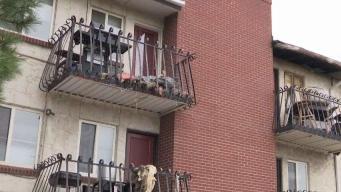 Residentes afectados por incendio en Aurora quieren recuperar sus pertenencias