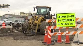 Comerciantes registran pérdidas económicas por construcción en la Federal