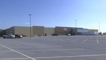 Convierten antiguo Walmart en centro para niños migrantes