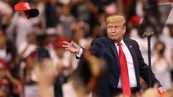 Trump promete en Florida que seguirá en la Casa Blanca