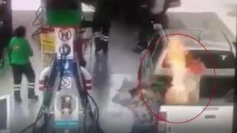 Niña y padre sufren por brutal fuego en gasolinera
