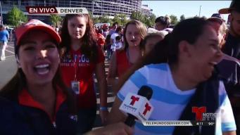La afición llega al evento Broncos en Español