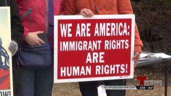 Manifestantes piden por el futuro de soñadores