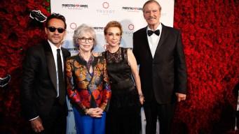 Fundación de Marc Anthony reconoce a expresidente Fox