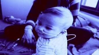 Familia hispana dona el tumor cerebral de su hijo