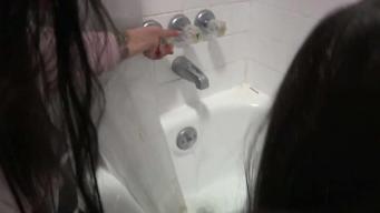 Familia en Aurora lleva tres meses de problemas con el agua caliente