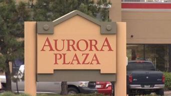 Reportan tiroteo en estacionamiento de plaza en Aurora