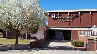 Dos escuelas aumentan seguridad por amenazas
