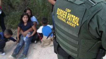 Drama fronterizo: sube cifra de arrestos de familias