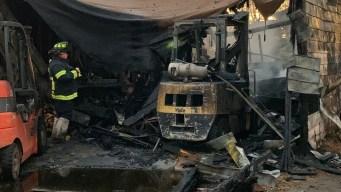 Bomberos controlan incendio en Huron Street en Adams