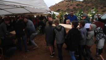México: blindan funeral de miembros de familia LeBarón