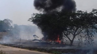 Hombres abandonan avioneta en llamas en Veracruz