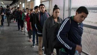 Crece la incertidumbre de los migrantes en la frontera