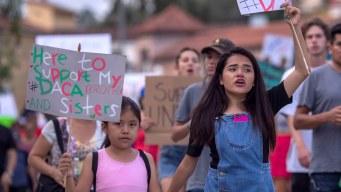 Niños hijos de indocumentados demandan a Trump