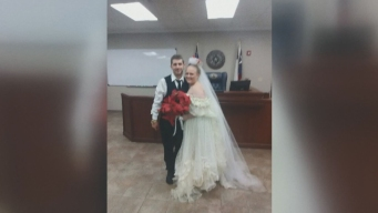 Mueren en accidente minutos después de casarse