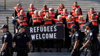Demandan al gobierno para que los dejen mudarse