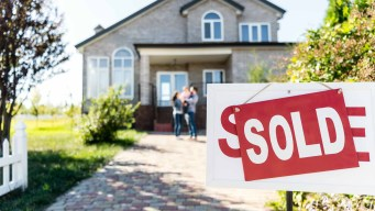 Reporte: crece venta de casas por préstamos más bajos