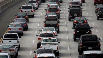 Miles de inmigrantes salen del DMV sin licencia