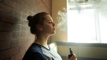 Continúa la batalla contra los cigarrillos electrónicos