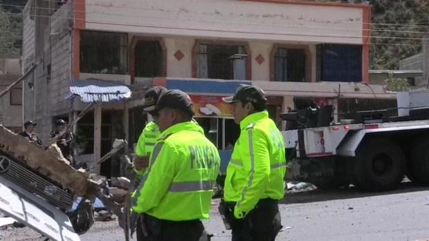 Accidente en Ecuador deja 24 muertos y 22 heridos de tres nacionalidades