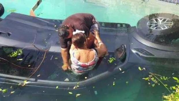 [TLMD SD] Hispano salva a una mujer de morir ahogada