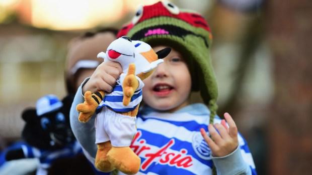 Regalan juguetes a niños en Denver