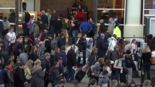 [TLMD - Denver] Largas filas en la seguridad del aeropuerto