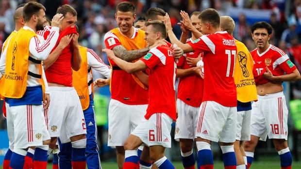 [World Cup 2018 PUBLISHED] De tiro libre Aleksandr Golovin clava el quinto gol de Rusia