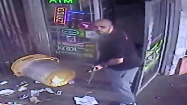 [TLMD - LV] Policía: dueño de tienda dispara AK-47 en altercado con cliente